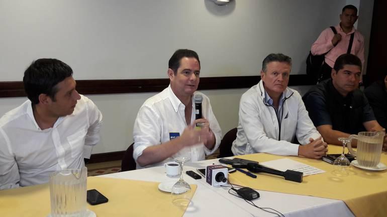 Vargas Lleras en Manizales: Vargas Lleras rechazó invitación del ELN para hablar de paz en Quito