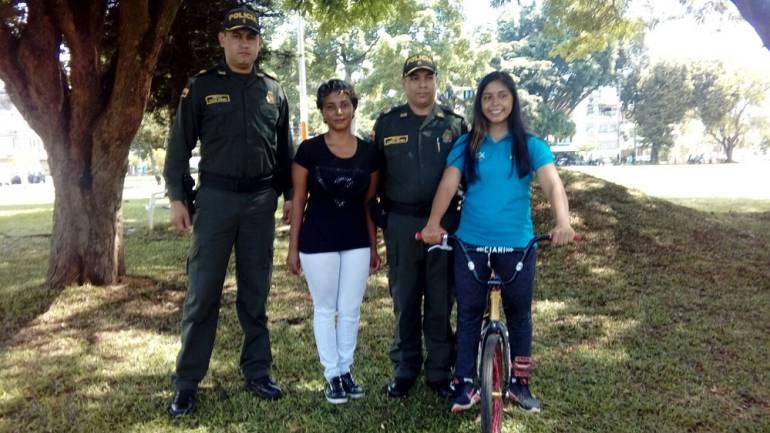 Hurtan bicicleta a campeona nacional de ciclismo en Cali: Recuperan bicicleta robada a triple campeona nacional de ciclismo
