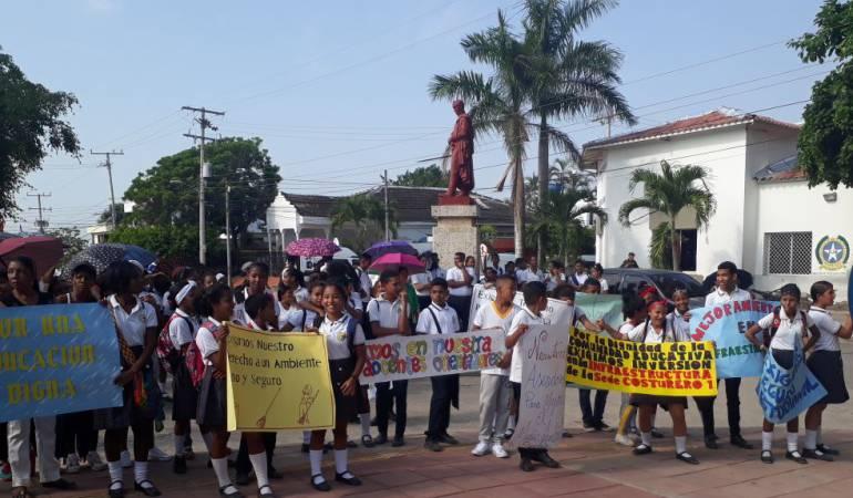 Manifestación de estudiantes en Matuya Bolívar: Estudiantes protestan por falta de docentes en María La Baja, Bolívar