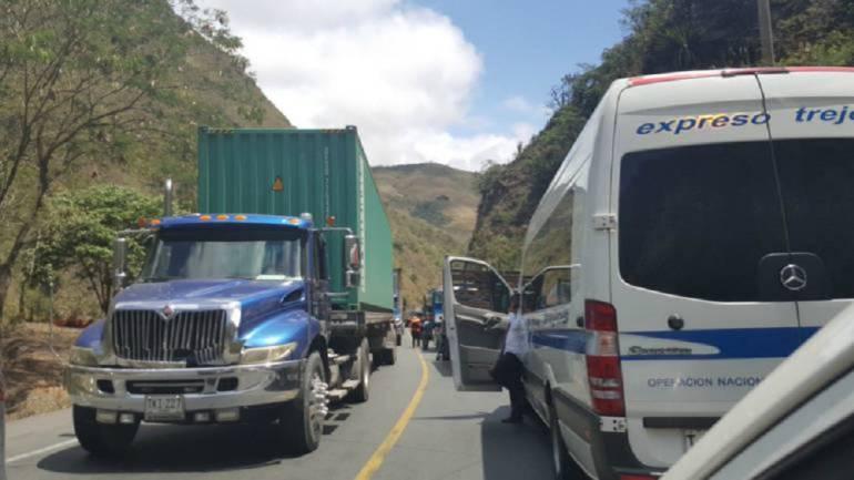 Vía al mar: Buscan recursos para terminar via Buga-Buenaventura
