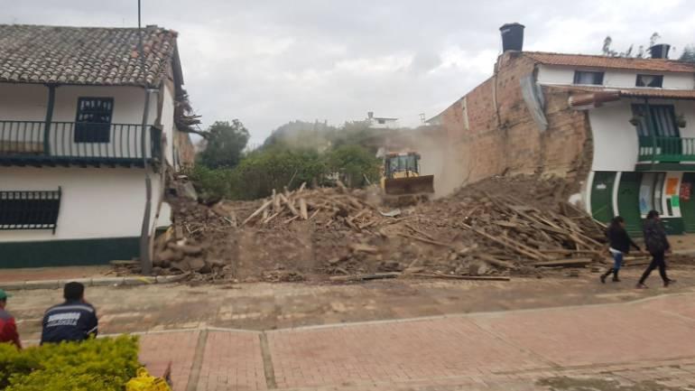Lluvias provocaron el colapso de antigua casa en Jenesano, Boyacá: Lluvias provocaron el colapso de antigua casa en Jenesano, Boyacá