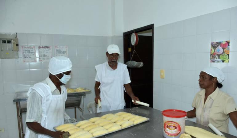 Proyectos sociales en Cartagena: Centro de Vida el Zapatero del adulto mayor tiene su panadería en Cartagena