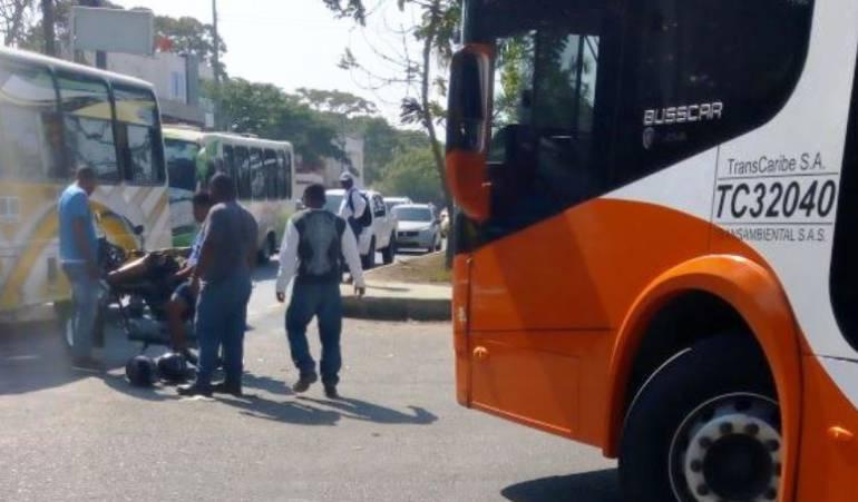 Transcaribe Cartagena: Cartagena: motociclistas intentan agredir a operador de bus Transcaribe