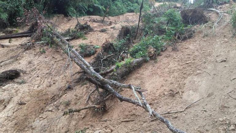 Invierno Colombia Ibagué: Invierno afecta la vía Ataco – Planadas en el sur del Tolima