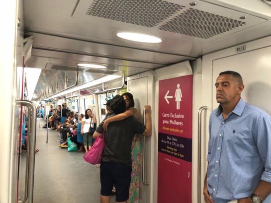 Así serían las sillas en el Transmilenio. Foto del Metro de Rio