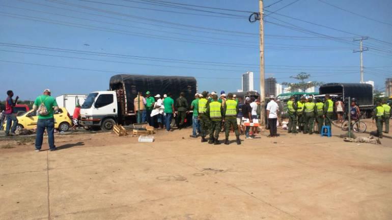 Vendedores informales de Cartagena invaden nuevamente el espacio público: Vendedores informales de Cartagena invaden nuevamente el espacio público