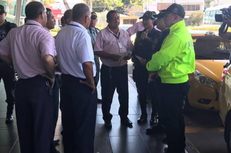 Taxistas de Cartagena son capacitados en seguridad y convivencia: Taxistas de Cartagena son capacitados en seguridad y convivencia