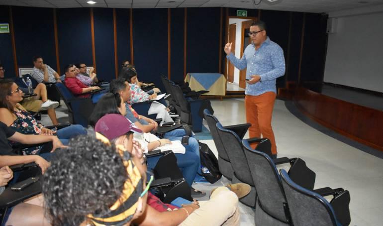 Estudiantes en intercambio Cartagena, Escuela de cadetes: Universitarios de intercambio visitan Escuela Naval de Cadetes en Cartagena