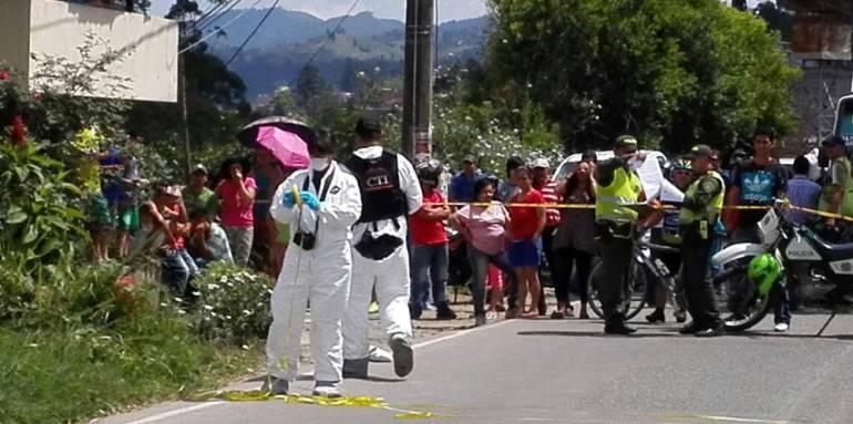 Dos mujeres, un, hombre, asesinados, en, Tarazá: Dos mujeres y un hombre fueron asesinados en Tarazá