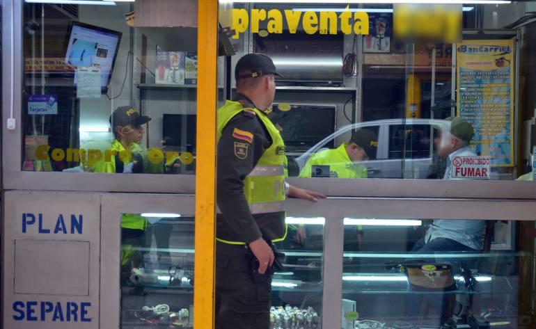 Sellan, ocho, compraventas, Medellín, vender, artículos, robados: Sellan ocho compraventas de Medellín por vender artículos robados