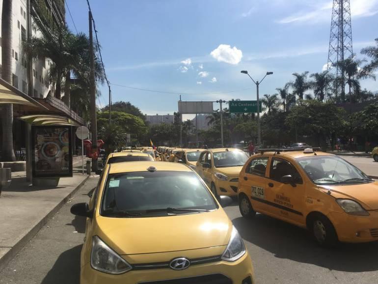 Taxis, polarizados, en, Medellín: En Medellín, los taxis ya pueden tener vidrios polarizados