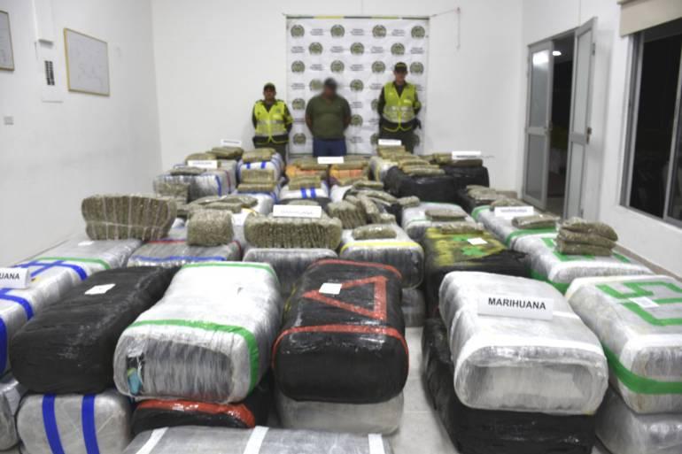 Incautación de marihuana en la vía Manizales - Chinchiná: Encontraron tres toneladas de marihuana camufladas en harina de trigo