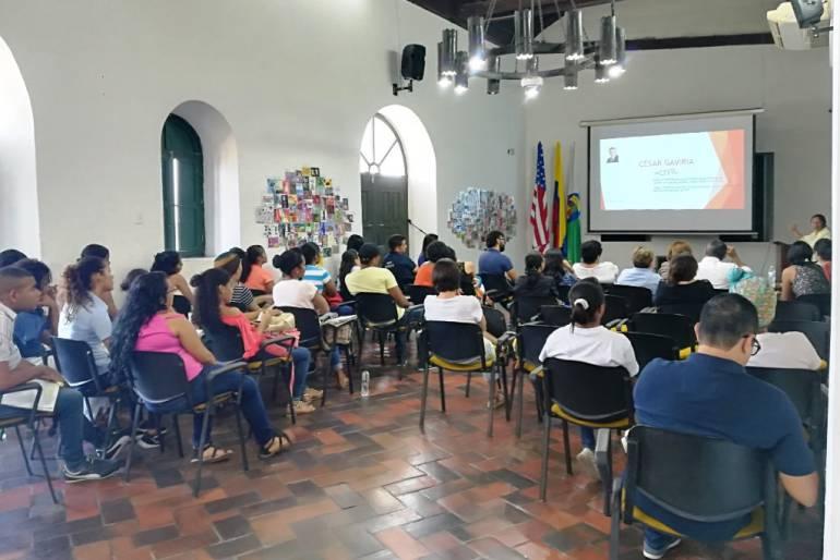 Mayor de Bolívar entrega a Cartagena 37 nuevos líderes en derechos humanos: Mayor de Bolívar entrega a Cartagena 37 nuevos líderes en derechos humanos