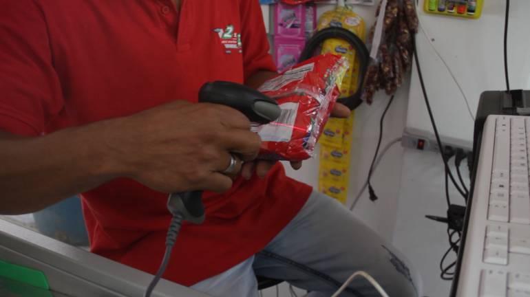 Minimarkets, victimas, victimarios, economía: En Antioquia, víctimas y victimarios del conflicto crean minimercados