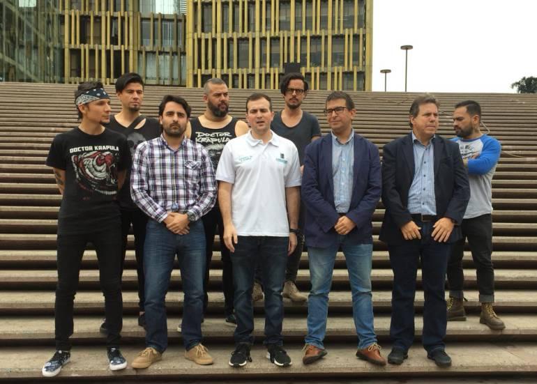 Colectivos, ambientales, Medellín, pacto, Joven, por, el, aire: Cien colectivos ambientales de Medellín firman Pacto Joven por el Aire SeO2