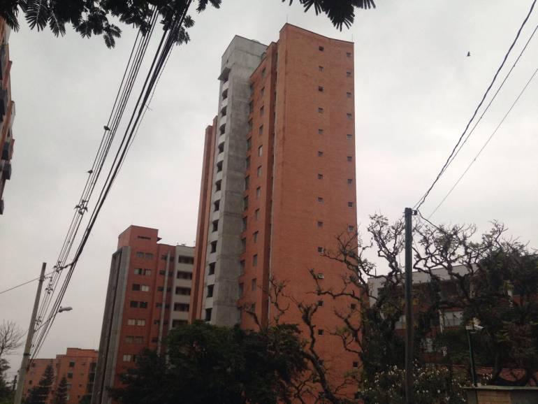 Ordenan tumbar edificio en Medellín: Es inminente el desplome del Bernavento y por eso será demolido: Alcaldía