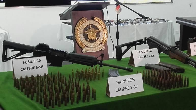 Incautacion de armas, Policía Metropolitana.