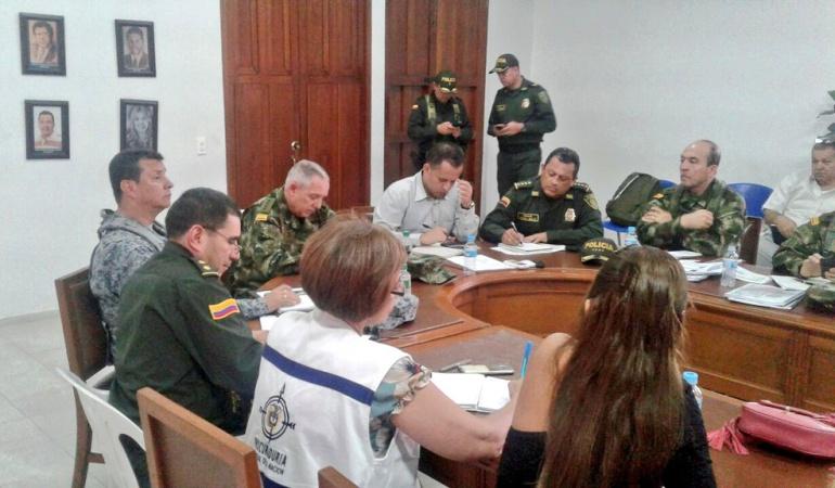 El general Jorge Hernando Nieto Rojas director de la Policía Nacional y el general Alberto José Mejía Ferrero comandante de las Fuerzas Militares de Colombia en Ocaña