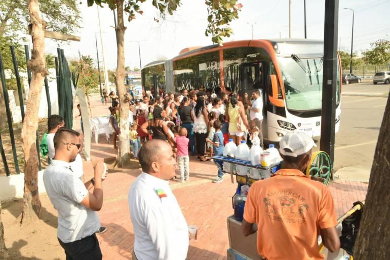 """Transcaribe y un """"bus aula"""", sensibilizan sobre cuidado al medioambiente"""