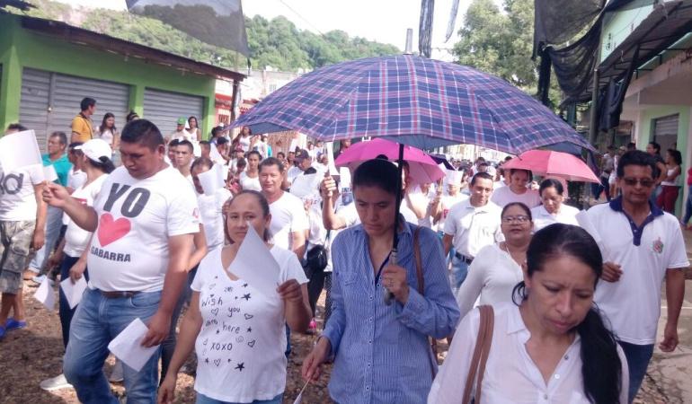 Marcha de comunidades en La Gabarra