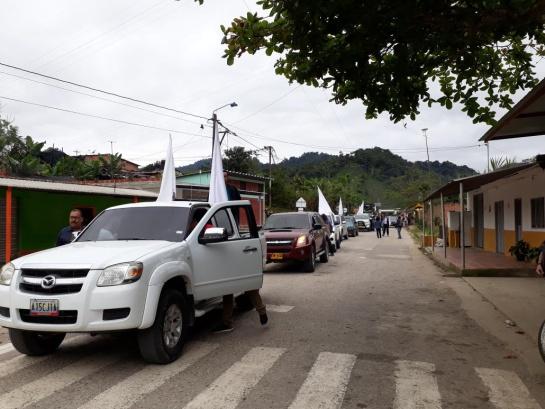 Caravana desde Ocaña hasta El Tarra