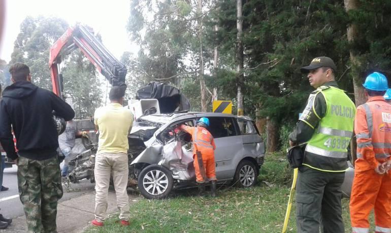 Docente muere en la vía Pereira - Armenia: Docente murió en accidente en la vía Pereira - Armenia