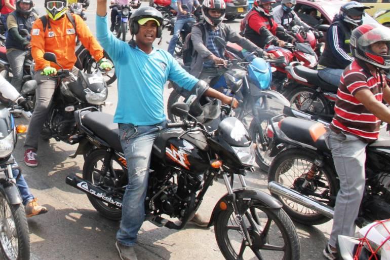 Nuevo decreto restringe circulación de motos después de 11 pm en Cartagena: Nuevo decreto restringe circulación de motos después de 11 pm en Cartagena