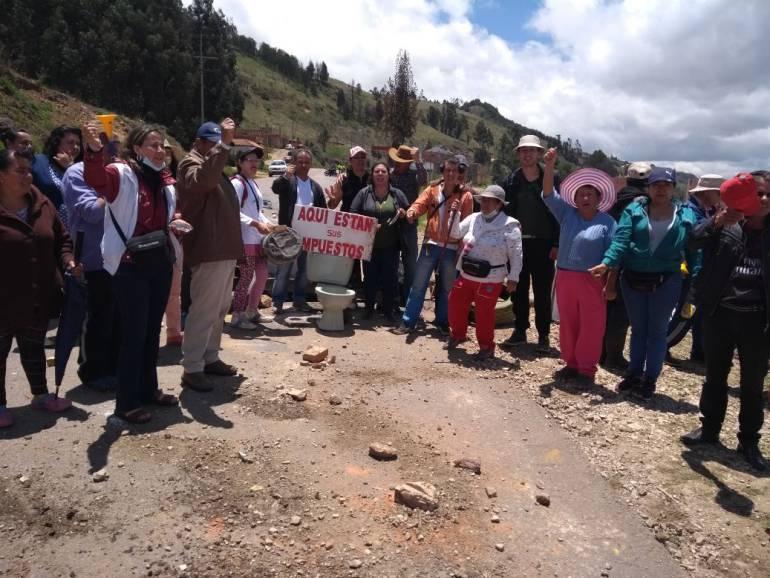 Un herido y vías nacionales bloqueadas dejó el primer día de paro en Tunja: Un herido y vías nacionales bloqueadas dejó el primer día de paro en Tunja