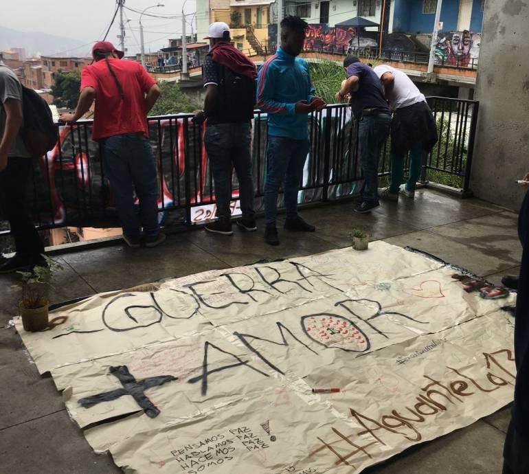 Colectivos, comuna, 13, piden, paz: Colectivos culturales de la comuna 13 piden más paz y menos guerra