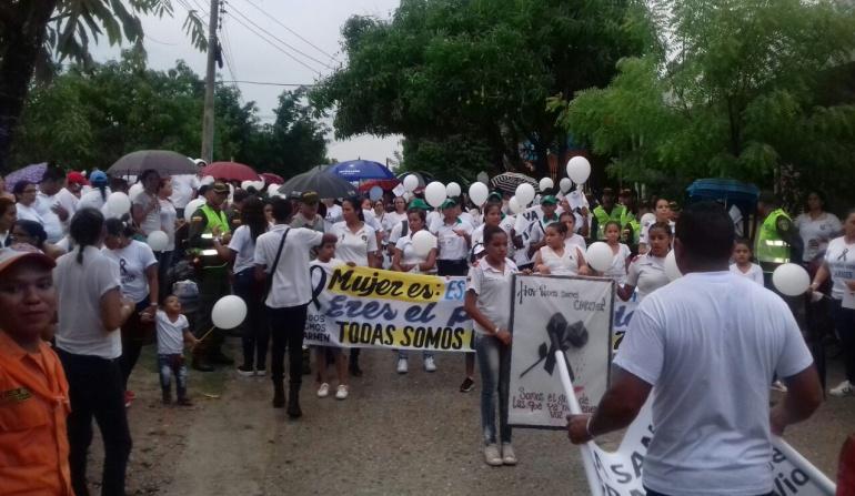 Violencia género: Cataqueros se manifestaron contra la violencia de género