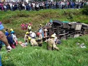 Camión aparentemente sin frenos dejó 4 heridos de gravedad en Tunja: Camión aparentemente sin frenos dejó 4 heridos de gravedad en Tunja