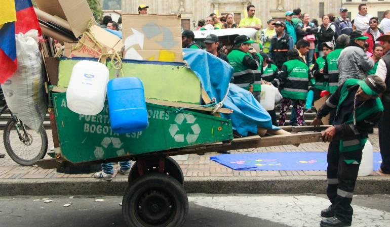 Denuncian demoras en el pago a los recicladores de Bogotá