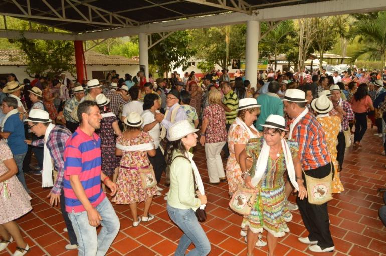 Certamen Colombia XXII Festival Municipal Música Campesina Floridablanca: Inicia el XXII festival de música campesina de Floridablanca