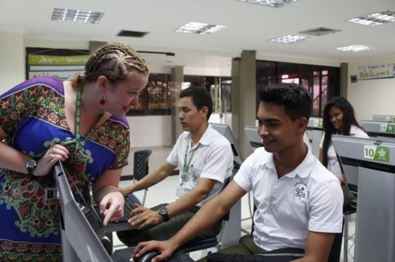 Sena Colombia: SENA dispone de más de un millón de cupos para estudiar inglés por Internet