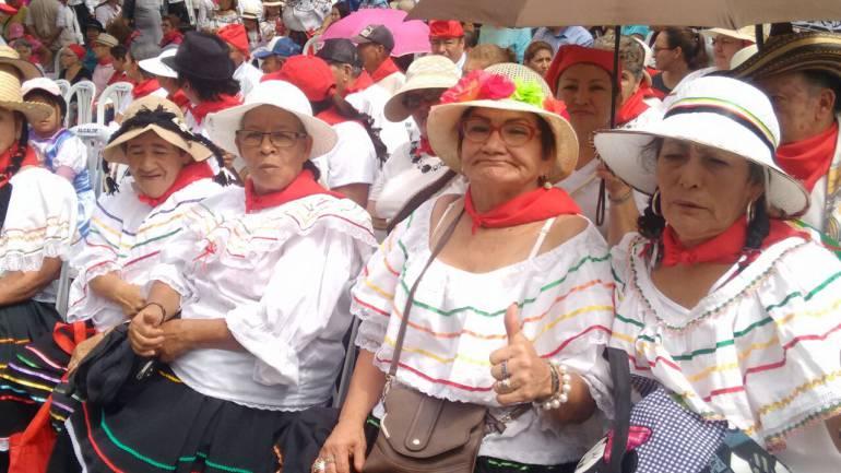 DESFILE, CULTURA, SANANDEREANIDAD: Imponente desfile en el festival de la santandereanidad