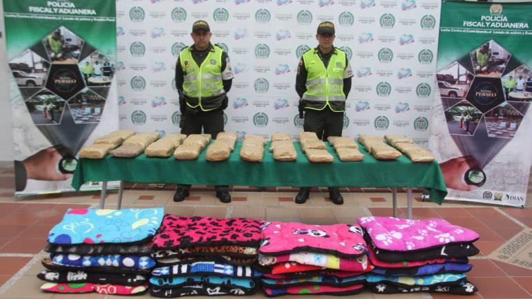 BUCARAMANGA MARIHUANA ENCOMIENDAS VALLE DEL CAUCA: Del Valle llegó una encomienda con marihuana cripy
