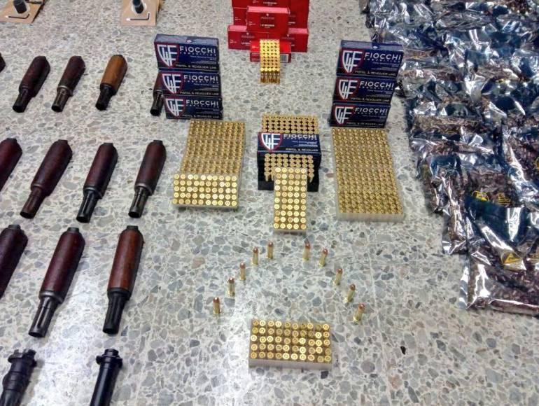Investigan procedencia de armamento incautado en puerto de Barranquilla