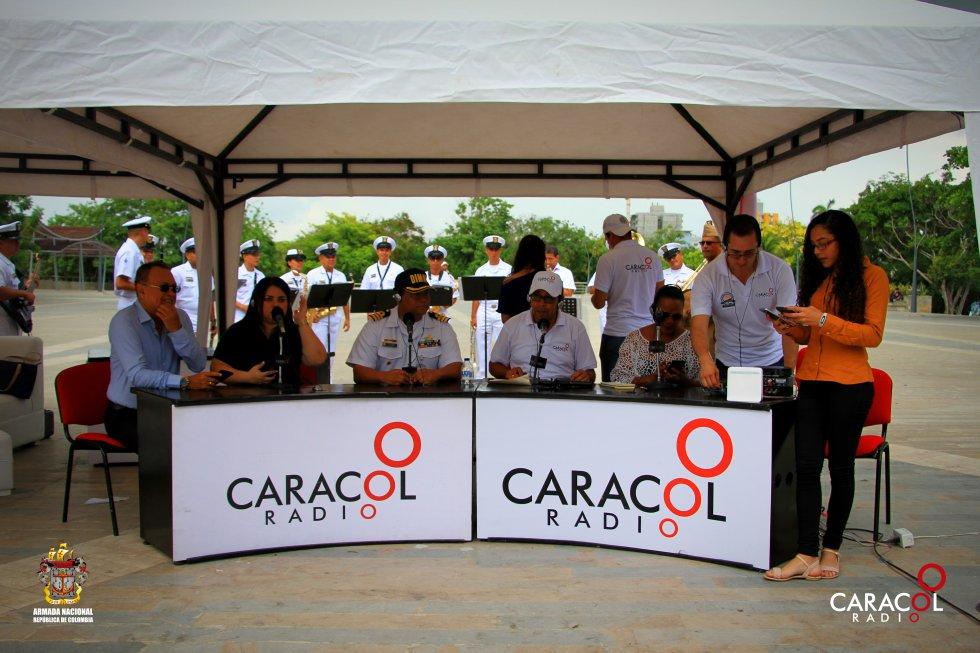 Caracol Radio emitiendo desde la Plaza de la Paz