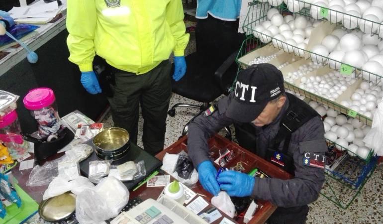 Dos policías, entre banda de capturados en Caldas, Valle y Antioquia