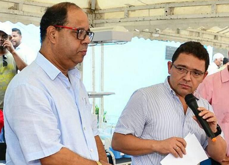 Exgerente encargado de la ESE, Jairo Romo y el alcalde Rafael Martínez. /FOTO ALCALDÍA