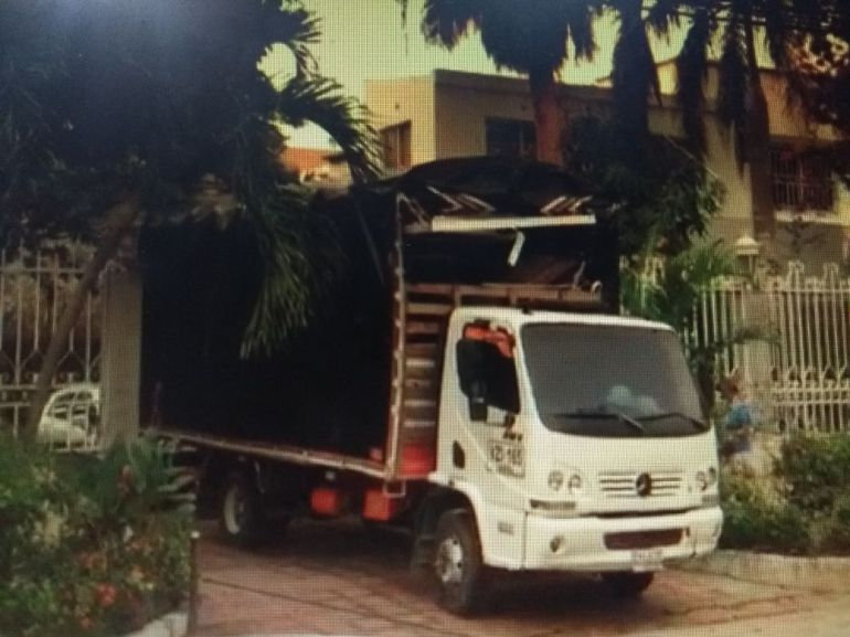 Empezó el desalojo de casa de Enilce López Romero, 'La Gata'