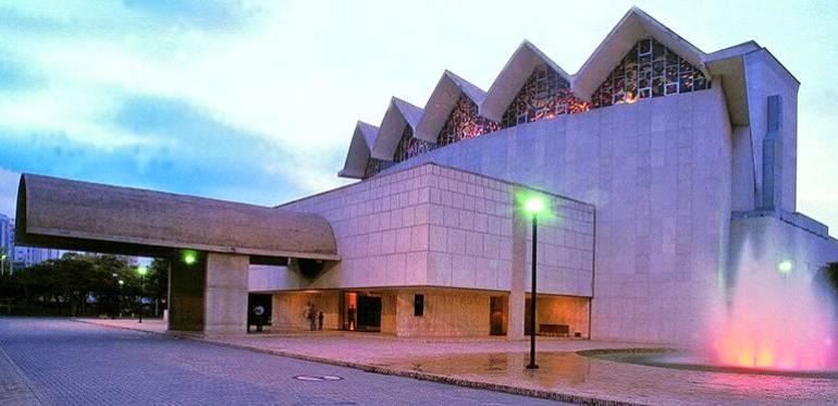 Teatro Amira de la Rosa será donado el 28 de mayo al Banco de la República