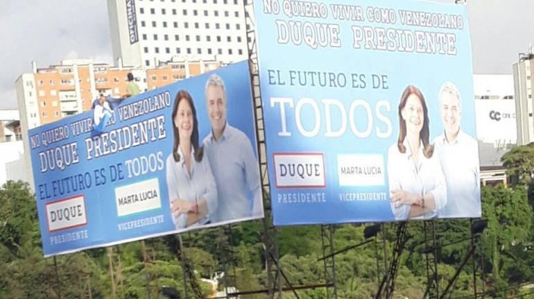 BUCARAMANGA SANTANDER POLÍTICA IVAN DUQUE: Las polémicas vallas políticas que aparecieron en Bucaramanga