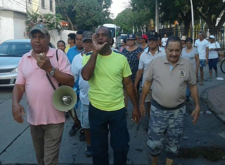 Manifestación por falta de agua en Santa Marta. /FOTO CARACOL RADIO