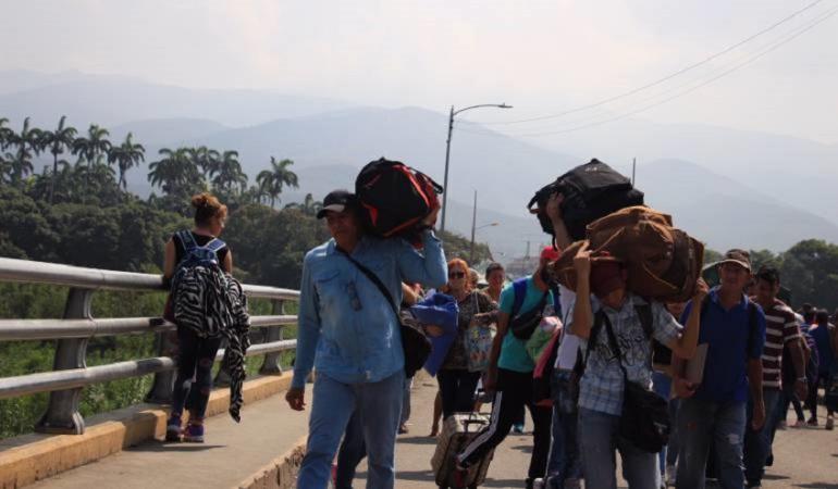 Más de 82 mil personas cruzaron la frontera