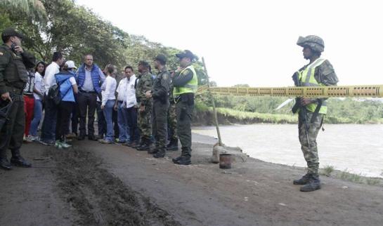 Temporada de lluvias: Maquinaria del departamento atiende emergencia vial en el sur del Tolima