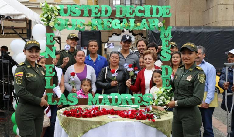 Campaña para celebrar el Día de la Madre en paz