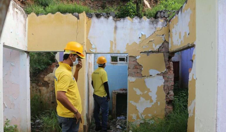 Venezolanos ocupan viviendas abandonadas