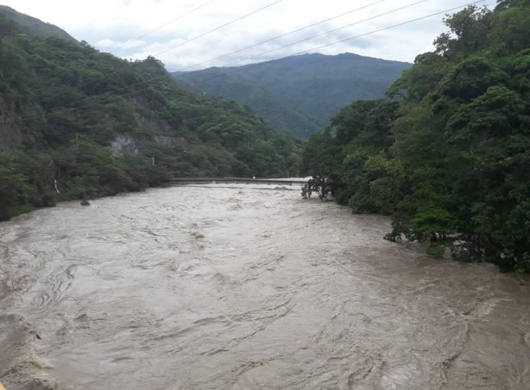 Ordenan evacuación de viviendas en zonas aledañas a Hidroituango