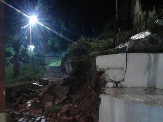 BUCARAMANGA INVIERNO EMERGENCIAS: Bomberos reporta varias emergencias en otra jornada de invierno